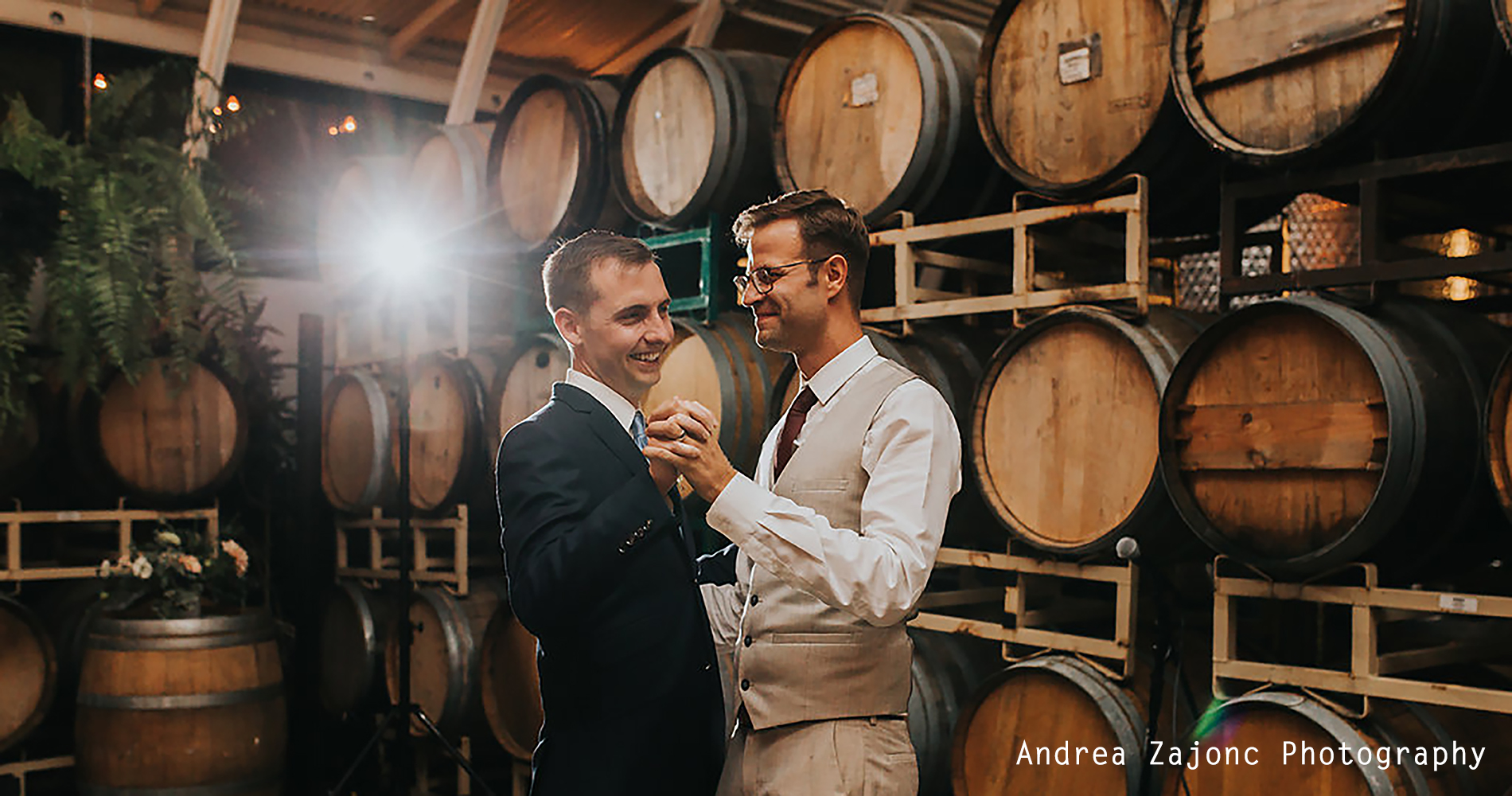 Andrea_Zajonc_Photography_Weddings_Wedding_Events_Design_Wedding_Cake_Corporate_Business_Meeting_Sales_Training_Event_Marketing_Oregon_Portland_Adventure_Winery_Taproom_Event-Space_Dinner_Party_Restaurant